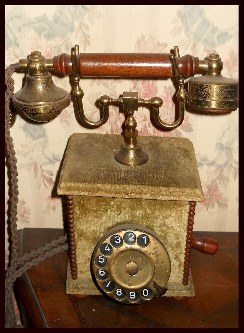 Se telefonando... di Rossella Valitutti