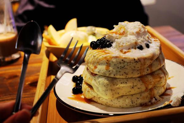 超ㄉㄨㄞ舒芙蕾鬆餅 還有迪士尼夥伴陪你吃樂+/楽+/ RAKU+