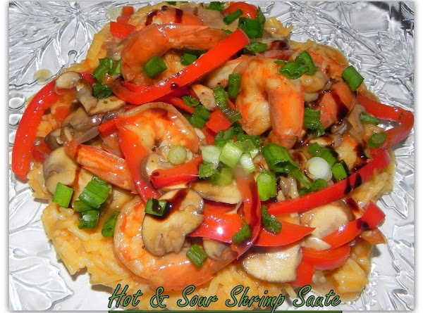 SHRIMP LOVE: 2 super easy recipes that can be made up quickly. http://www.justapinch.com/recipes/main-course/fish/shrimp-broccoli-saute.html?p=1 and...