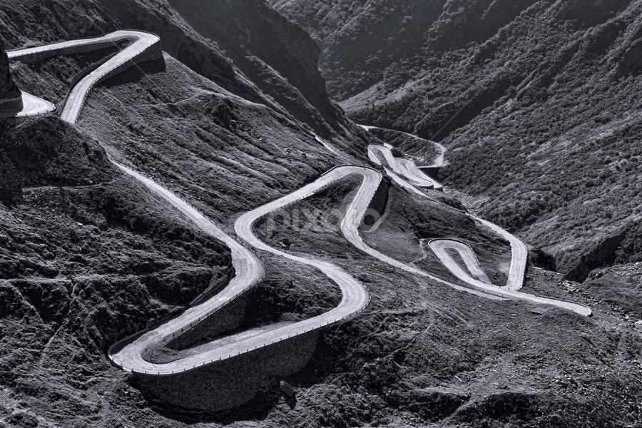 St Gothard by Dominic Jacob - Black & White Landscapes ( lacet, mountain, montagne, suisse, route, path, lacets, road, gothard, landscape,  )