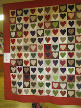 """Photo: Anne Gloeckler & Quilters 2 Quilters""""Rustic Hearts""""Saturday Workshop Group Quilt"""