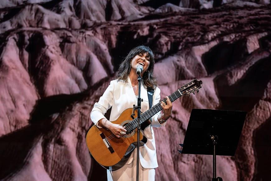 Actuación de Vanesa Martín.