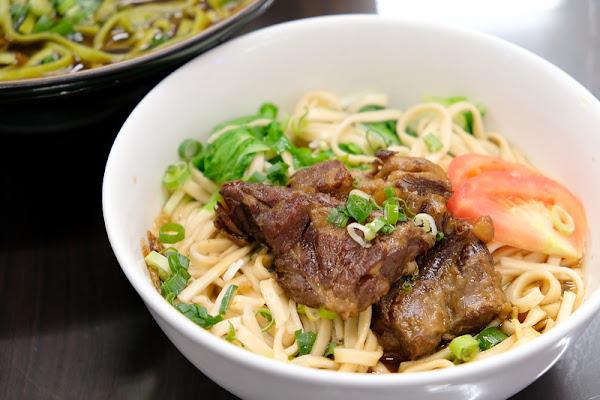 【板橋】祥發養生蔬菜排骨麵食館:豬軟骨超級軟嫩入味,美味大推薦