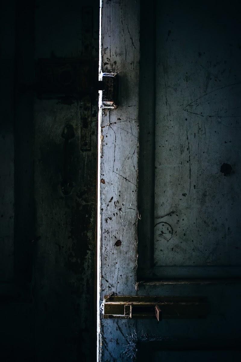 Non aprite quella porta! di DellaBrù