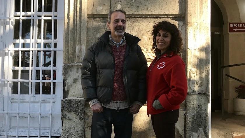 Antonio Sánchez junto a Verónica Carrillo, de Cruz Roja, en la sede de la capital. Foto: F. Cuadrado