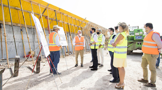 Diputación construye un puente que unirá Roquetas con Vícar y La Mojonera