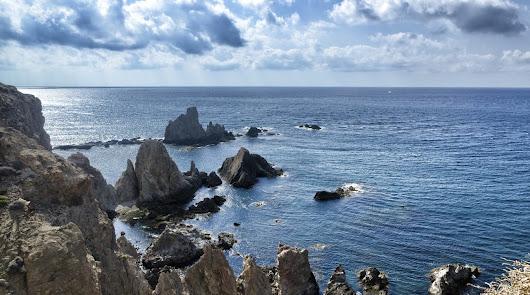 Este verano a Cabo de Gata: llegan las invitaciones para descubrir la provincia