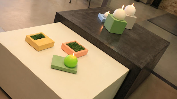 Des objets déco sont proposés à la vente uniquement au showroom