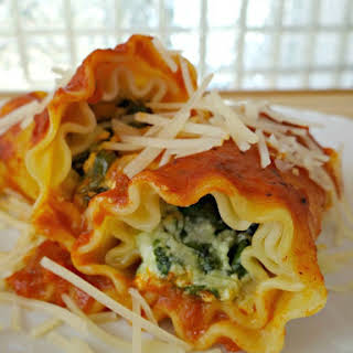 Spinach and 3 Cheese Lasagna Rolls.