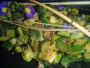 Photo: Salade de courgettes déglacées au vinaigre balsamique