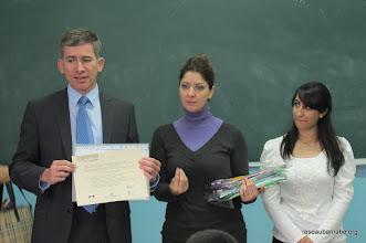 Photo: Remise de certificat de Programme d'été au professeur de l'école catholique melkite à Ramallah