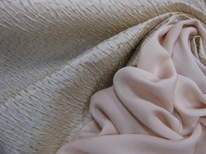 Photo: Ткань: жаккард (вискоза,шелк,полеэстр), ш. 130 см., цена 3000р. Ткань: муслин нат. шелк, ш. 140 см., цена 2500р.