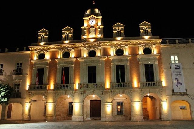 Fachada principal del Ayuntamiento de Almería.