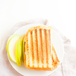 Buffalo Style Turkey Panini With Apples And Blue Cheese
