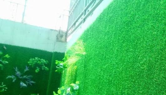 Kĩ càng và chú trọng đến thời tiết khi thi công Thảm cỏ nhựa
