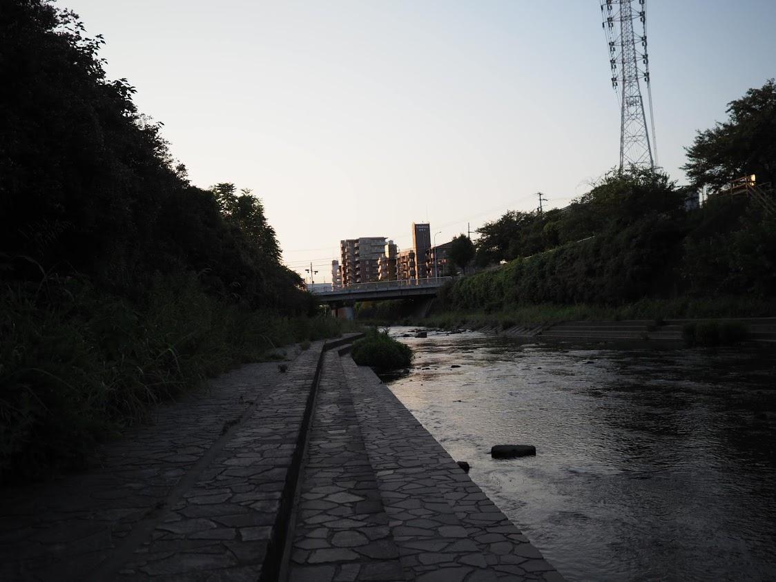 香流川の夜明け
