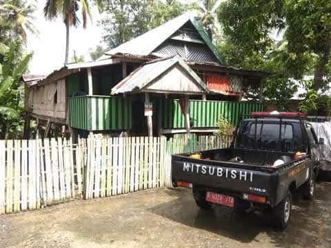 Bermula dari Intensitas Hujan Lebat Pohon Kapuk Tumbang Menimpa Bangunan Rumah Warga Dusun Tonggona