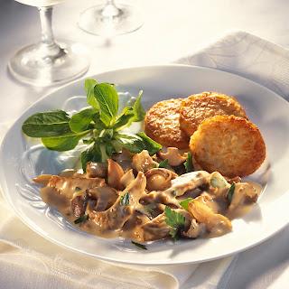 Kalbsgeschnetzeltes mit Pilzen und Champignon-Rahm-Sauce