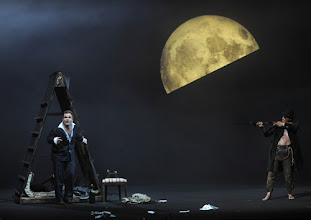 Photo: WIEN/ Burgtheater: DER ALPENKÖNIG UND DER MENSCHENFEIND von Ferdinand Raimund. Inszenierung: Michael Schachermaier. Premiere 29.9.2012. Cornelius Obonya, Johannes Krisch. Foto. Barbara Zeininger.