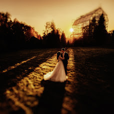 Wedding photographer Vladimir Yakovlev (operator). Photo of 14.10.2018
