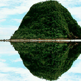 beautiful red island by Wahid Hasyim - Landscapes Beaches ( reflection, beach, landscape,  )