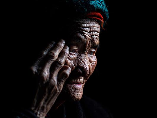 tibetan woman di alessandrobergamini