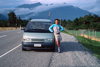 Photo: Piaw rents a car