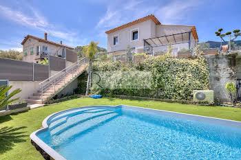 Villa 9 pièces 240 m2