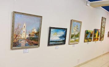 Photo: Работа Святослава Горбенко (Одесса) первая слева