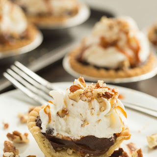 Mini Turtle Pudding Pies