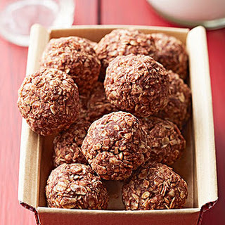 No-Bake Chocolate-Hazelnut Oat Cookies