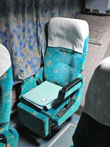 大分バス「トロピカル号」 12767 シート