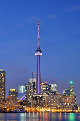 cn-tower-toronto-at-night.jpg - The illuminated CN Tower in Toronto at night. It's the world's tallest building and free-standing structure.