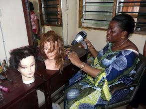 Photo: casques, séchoirs, bigoudis, peignes, lavabos etc.. tout le matériel de coiffure est encore recherché
