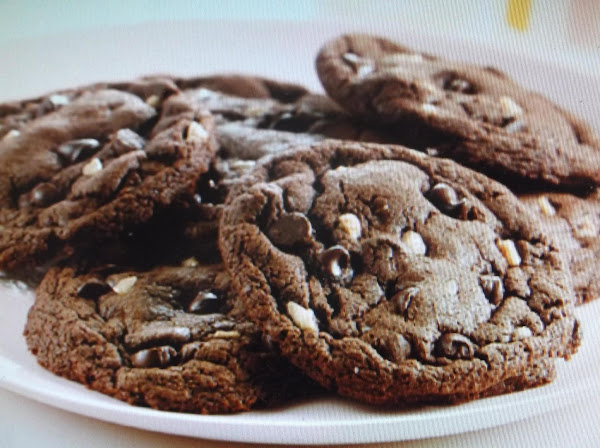 Chocolate, Toffee And Nut Cookies Recipe