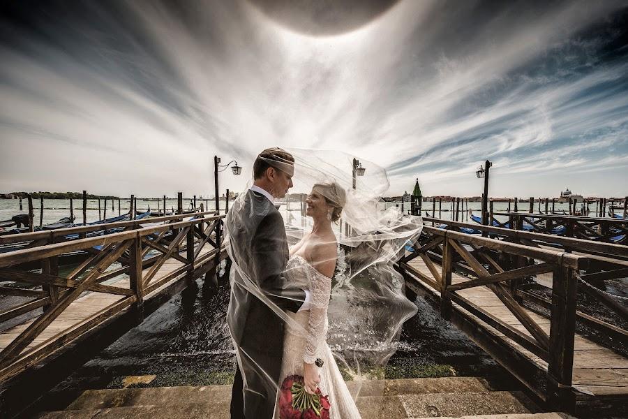Wedding photographer Cristiano Ostinelli (ostinelli). Photo of 12.07.2016