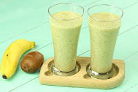 Kiwi Banana Almond Smoothie