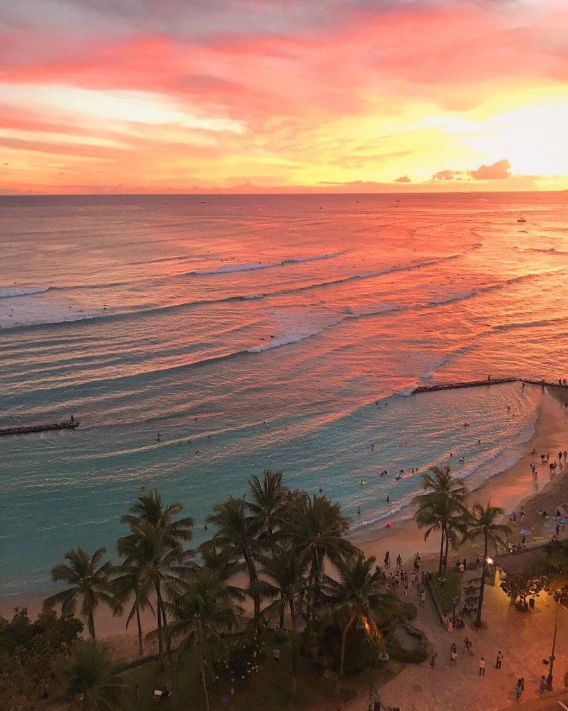 Waikiki Sunset - Honolulu: 10 Best Things to do