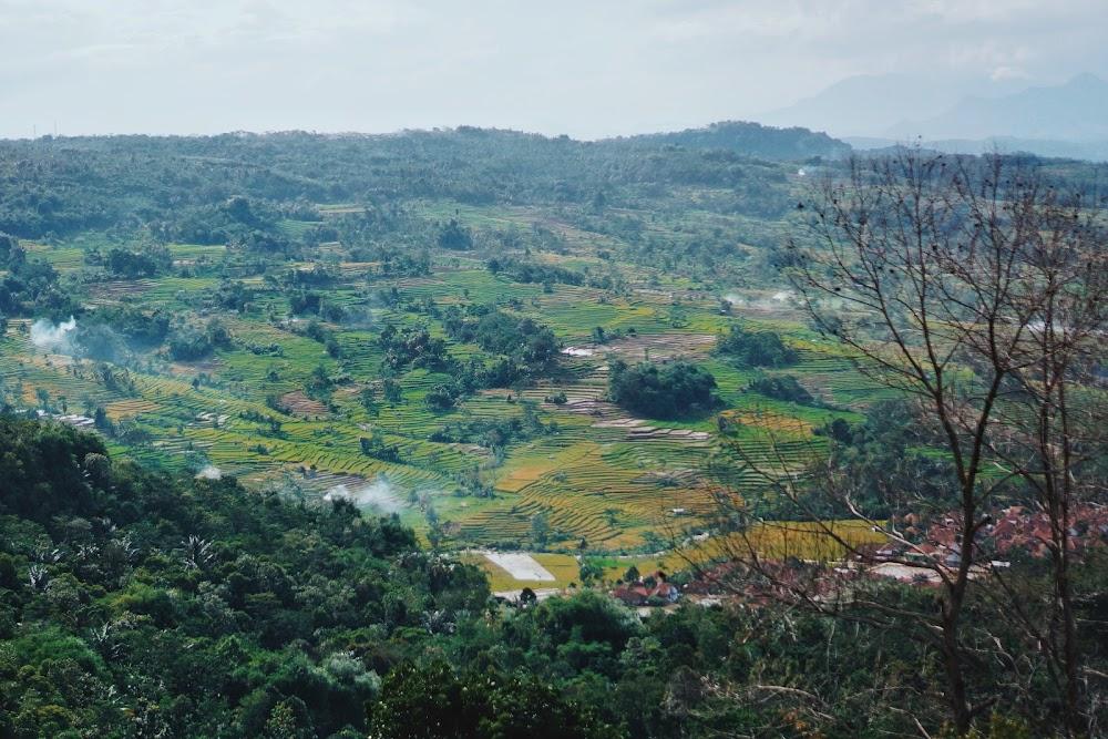 bukit panenjoan wisata di purwakarta