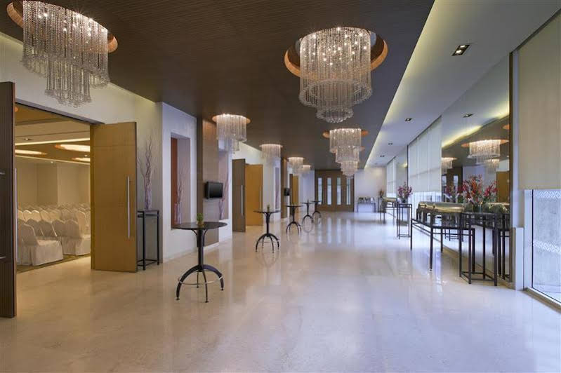 Four Points by Sheraton and Serviced Apartments Pune