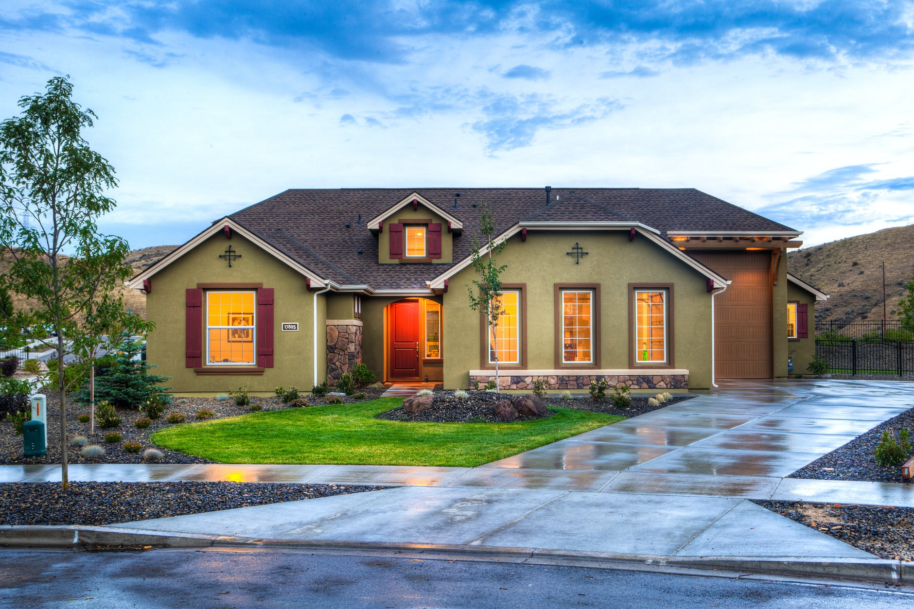 These 8 Tips Will Help Your Home Selling Process Go Smoothly