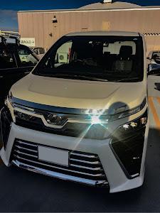 ヴォクシー ZRR85W 4WD 30年式のカスタム事例画像 NishiYanさんの2018年12月08日14:23の投稿