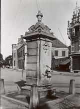 Photo: 1925 Tramrails naar Dreef en Liesbosstraat langs de waterpomp op de Markt