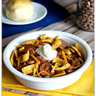 Slow Cooker Chili With Pinto Beans and Sausage.