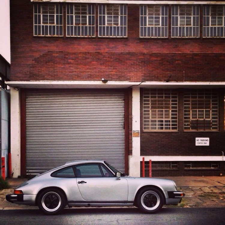 The classic 911 silhouette was made for moody backdrops and dramatic IG filters.