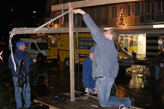 Photo: Stellen und Abräumen der Stände am Chlausenmäret