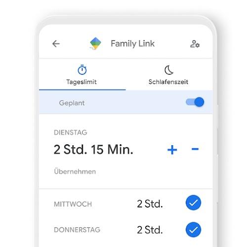 Ein Smartphone, auf dem zu sehen ist, wie Sie die tägliche Nutzungsdauer über die Family Link App festlegen können