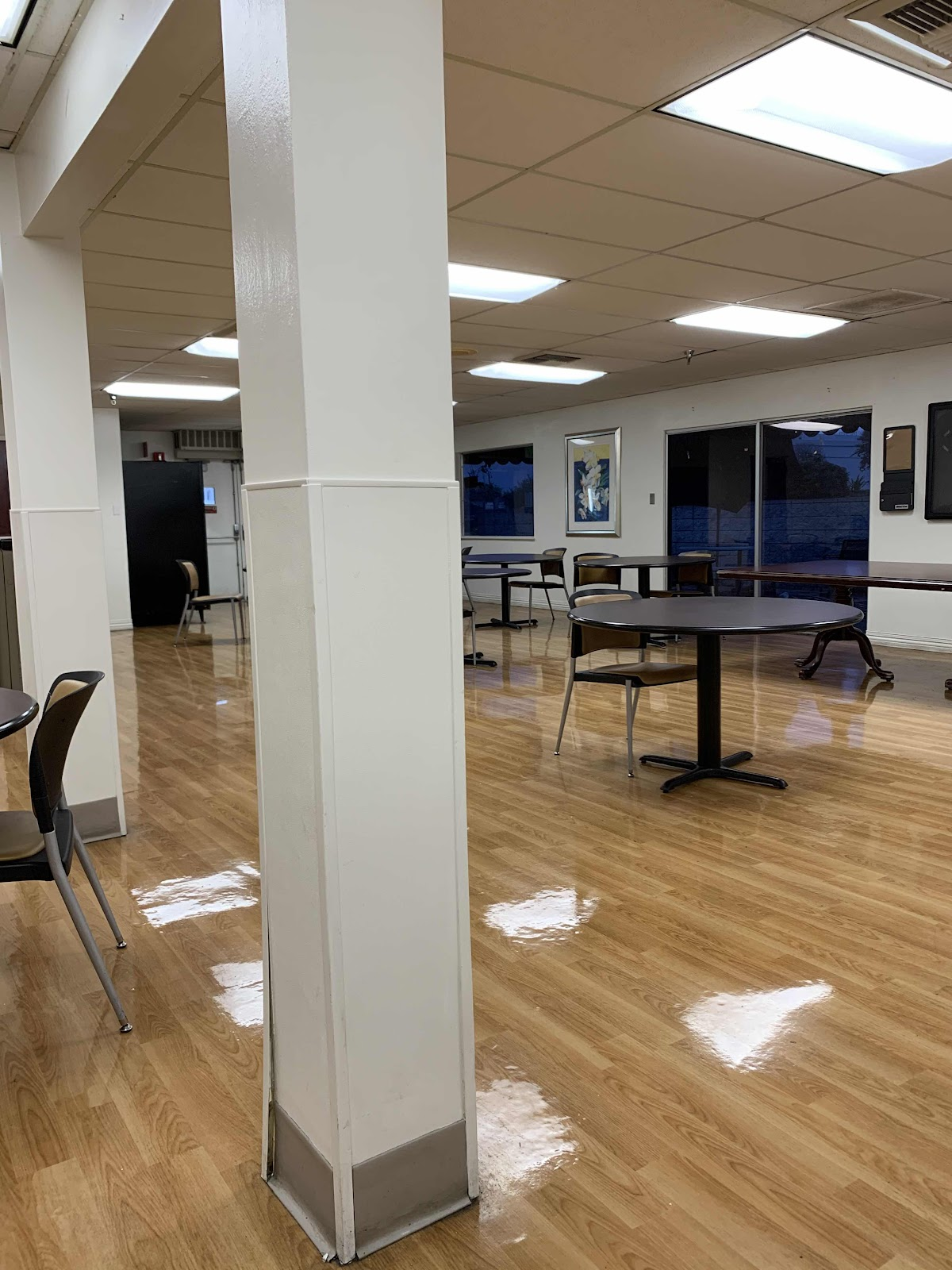 Kindred Hospital dining room