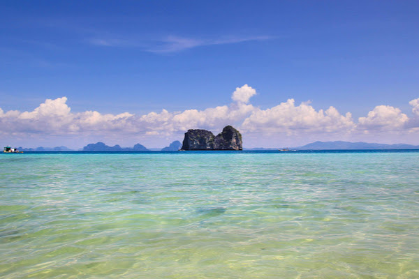 Cruise by speed boat to Koh Ngai