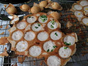 Photo: kanom krok (coconut-rice hotcakes)